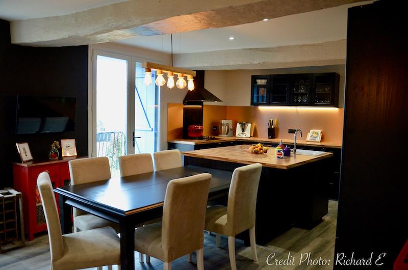 Salle a manger cuisine rouge noir cuivre hannah elizabeth interior design