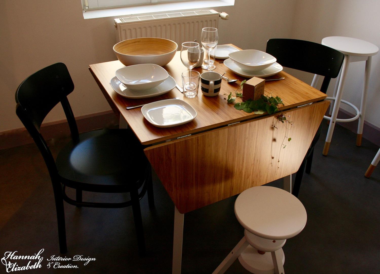 Salle a manger noir blanc bois