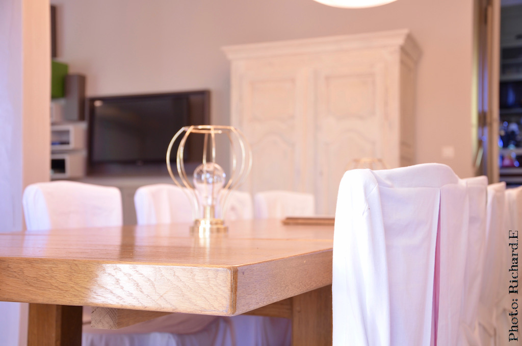Salle a manger renovation meuble patine poutres blanches hannah elizabeth interior design