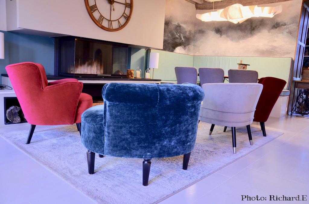 Salon cheminee contemporain papier peint nuage lustre nuage hannah elizabeth interior design