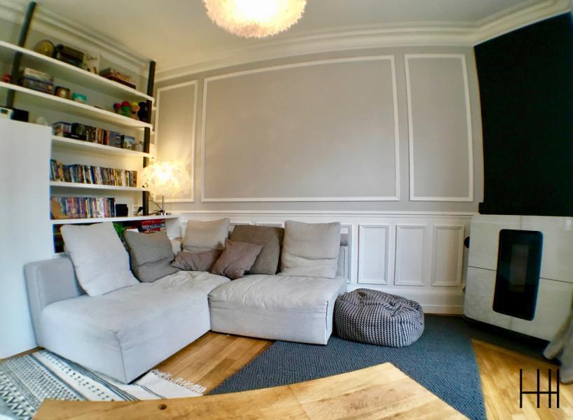 Salon gris blanc bois moulures 2