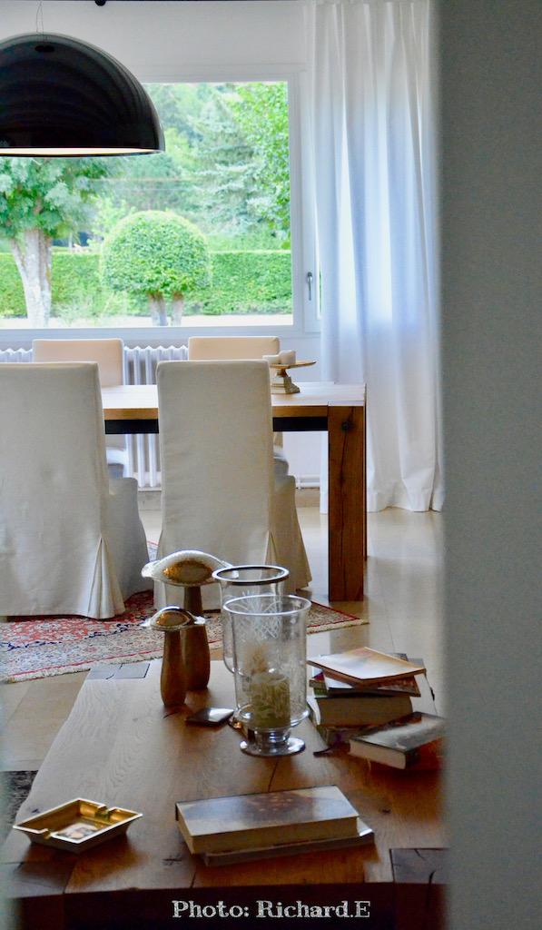 Salon salle a manger vers jardin vert hannah elizabeth interior design