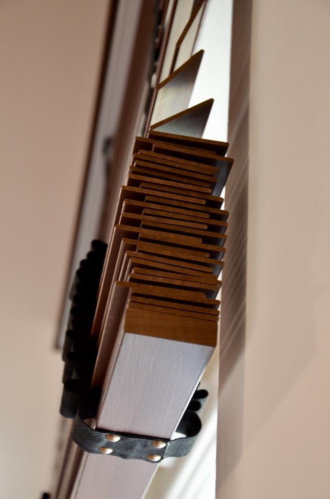 Store persienne bois hannah elizabeth interior design