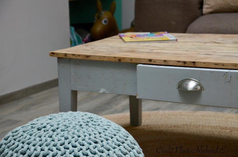 Table basse pouf tricot vert deau hannah elizabeth interior design