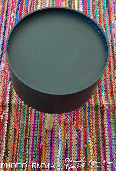 Table basse tapis tisse haut en couleur