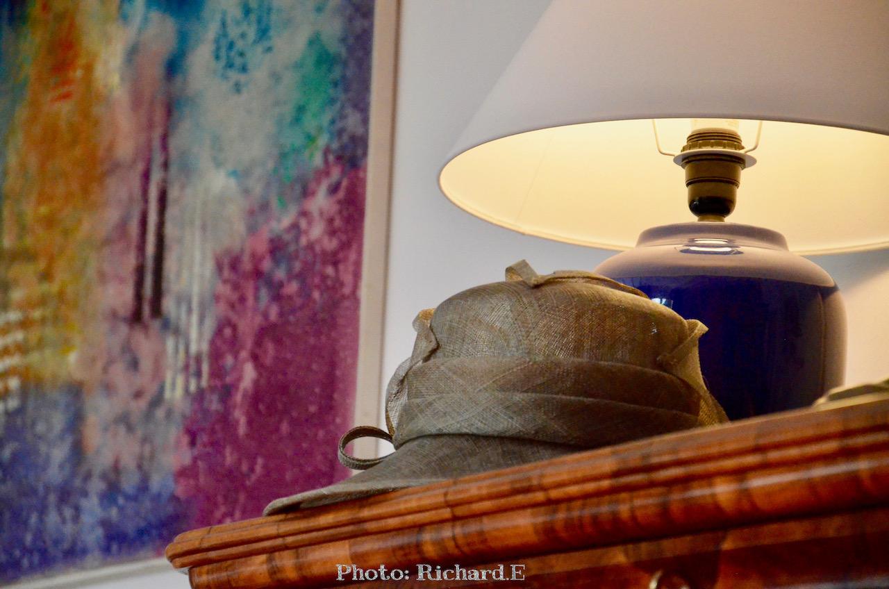 Tableau chambre chapeau hannah elizabeth interior design