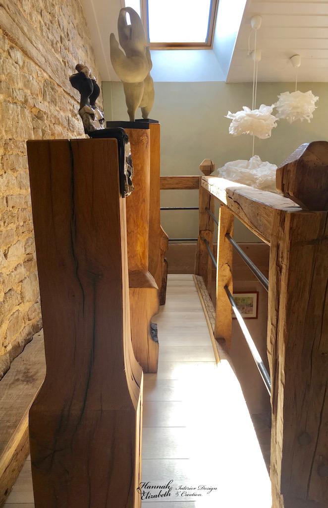 Totems statues nuages escalier bois hannah elizabeth interior design