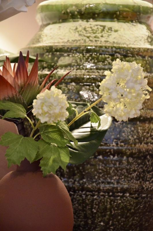 Vase metal lampe vert hannah elizabeth interior design