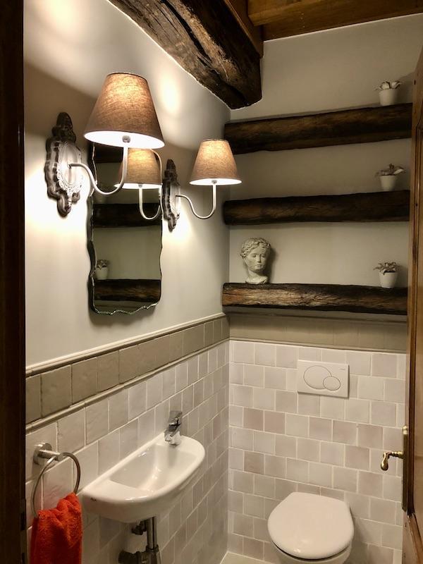 Wc poutres heritage hannah elizabeth interior design