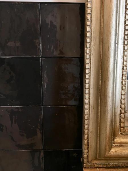 Zellige noir miroir or salle de bain hannah elizabeth interior design